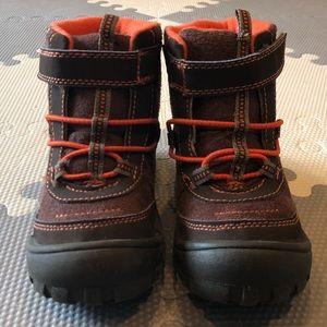 OshKosh Boots Camo EUC